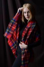 Тонкорунный кашемировый  шотландский палантин, 100 % драгоценный кашемир , тартан Королевского клана Стюарт ,100% Cashmere Scarf Lightweight Royal Stewart плотность 2