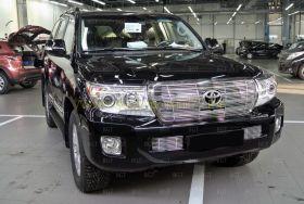 Решетка в передний бампер (Тип 1) для Toyota Land Cruiser 200 2012-