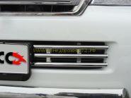 Решетка в передний бампер (Тип 4) TOYLC20012-05 для Toyota Land Cruiser 200 2012-
