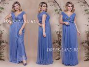 Голубое вечернее платье с украшением