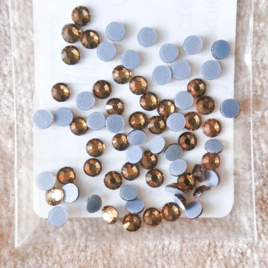 Стразы стеклянные клеевые, цвет Экрю, SS10, 70 шт/упак