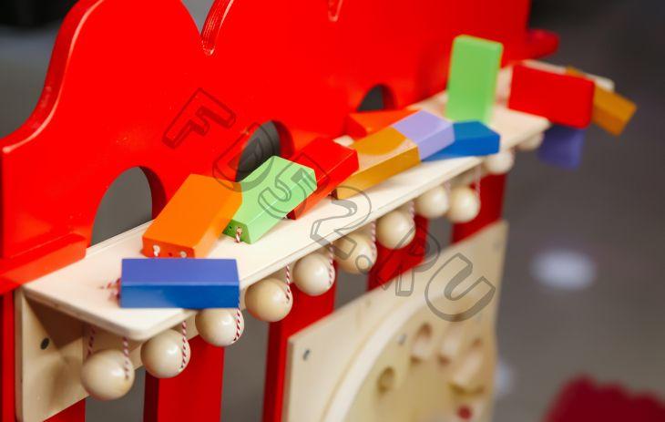 """Тактильно-развивающая панель """"Разноцветное домино"""" (12 домино, настенный модуль)"""
