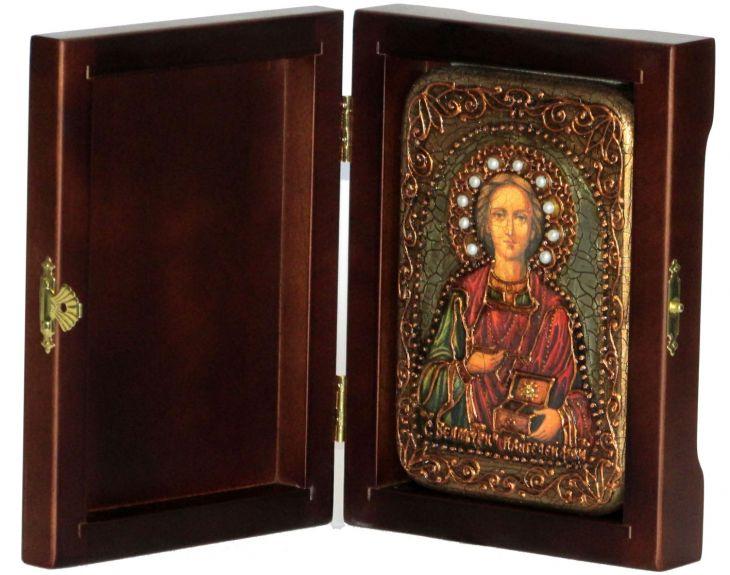 Инкрустированная настольная икона Святой Великомученик и Целитель Пантелеимон (10*15 см, Россия) на натуральном мореном дубе, в подарочной коробке