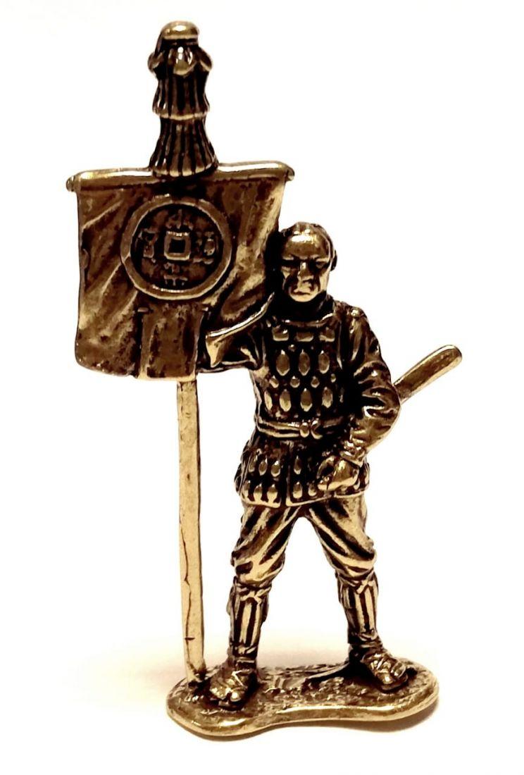 Фигурка самурай с мечом