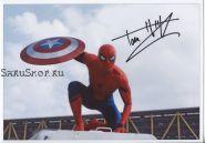 Автограф: Том Холланд. Человек-паук, Первый мститель: Противостояние