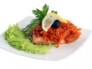 Рыба запеченная с морковью 250г