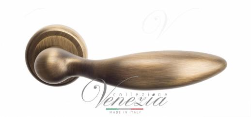 Дверная ручка Venezia MAGGIORE D1 матовая бронза