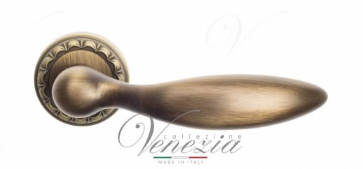 Дверная ручка Venezia MAGGIORE D2 матовая бронза