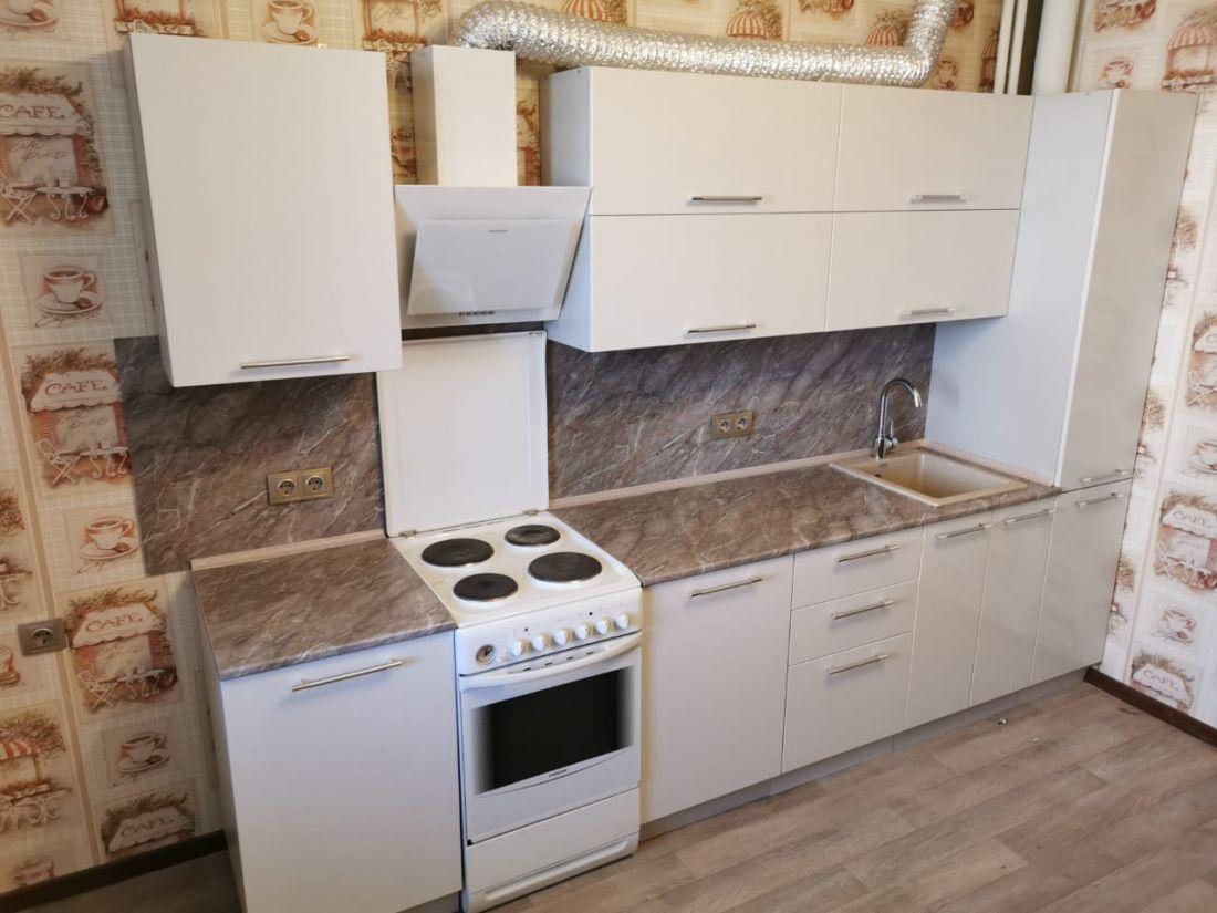"""Кухонный гарнитур """"Олива"""" белый металлик"""