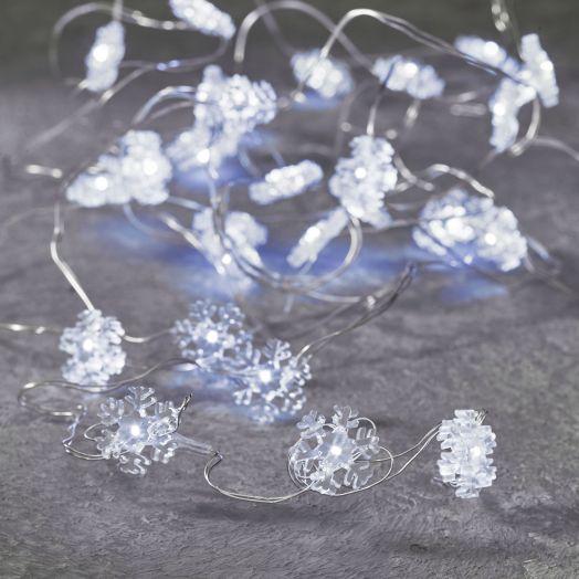 Гирлянда со снежинками на серебряном проводе