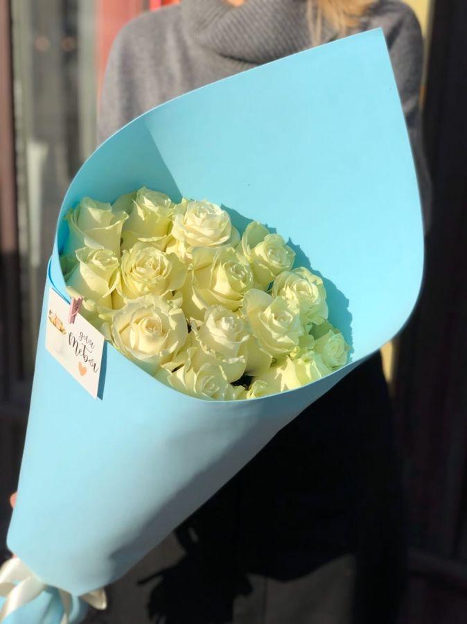 Букет из белых роз премиум (60 см) ЭКВАДОР