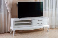 Тумба под телевизор в белом цвете