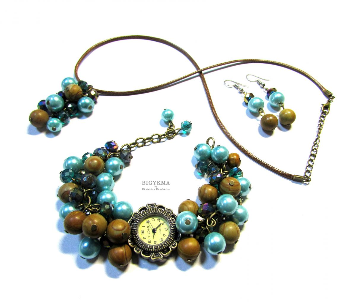 """Часы с яшмой """"Морские камушки"""". Комплект украшений: часы, кулон, серьги с натуральными камнями."""