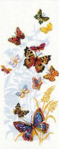 Набор для вышивания крестом Бабочки России №902 фирма Риолис