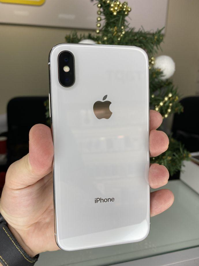 iPhone X 64 Серебристый