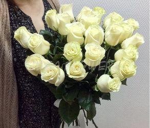 Букет из белых роз Мондиаль