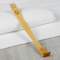 Деревянная чесалка для спины с массажёром