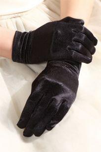 Черные короткие атласные перчатки