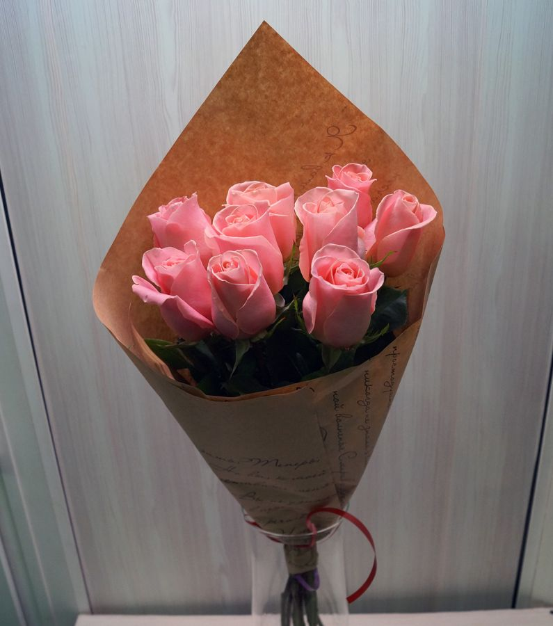 9 роз - Хирмоса в крафт бумаге (60 см)