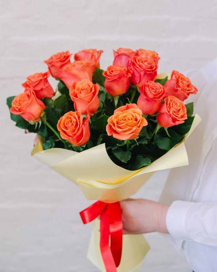 """Букет цветов из 15 роз """"Пламя"""""""