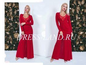 Красное платье макси с глубоким декольте