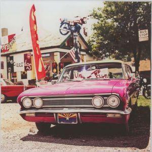 """Картина на стекле """"Розовый ретроавтомобиль"""""""