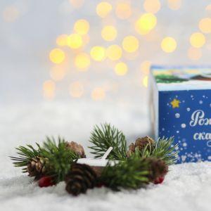 Свеча в венке «Снегирь»