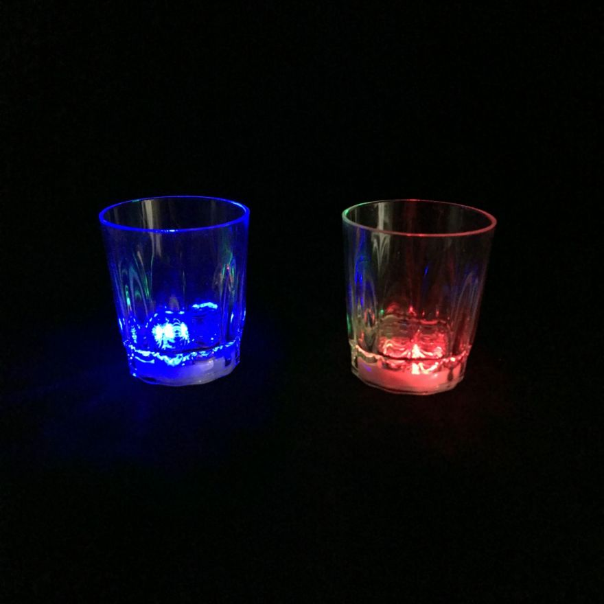 Светящаяся рюмка Light-up Liquid Activated Glass, 70 мл (6 рюмок)