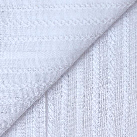 Ткань хлопковая с выработкой Шитьё на белом 50х35