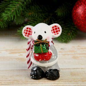 """Сувенир керамика """"Мышонок в шубке, ушки в клеточку с подарком"""" 7,5х3,8х5,7 см   4169283"""