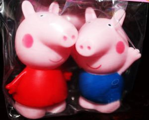 Свинка с пищалкой