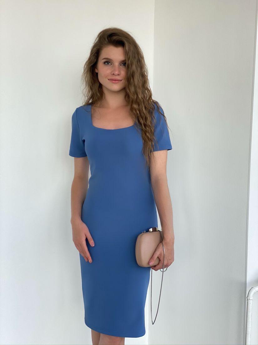 s2183 Платье с вырезом каре подчеркивающее фигуру из плотного трикотажа