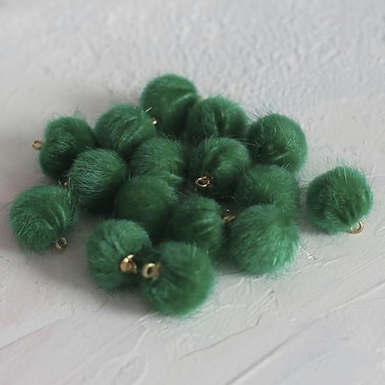 Бусина-подвеска пушистая зеленая