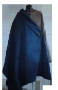 Скандинавский шерстяной плащ ручной работы. Синий цвет.