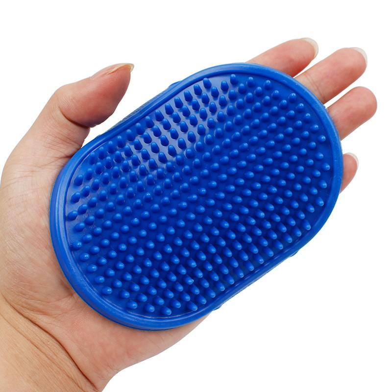 Резиновая массажная щётка для животных
