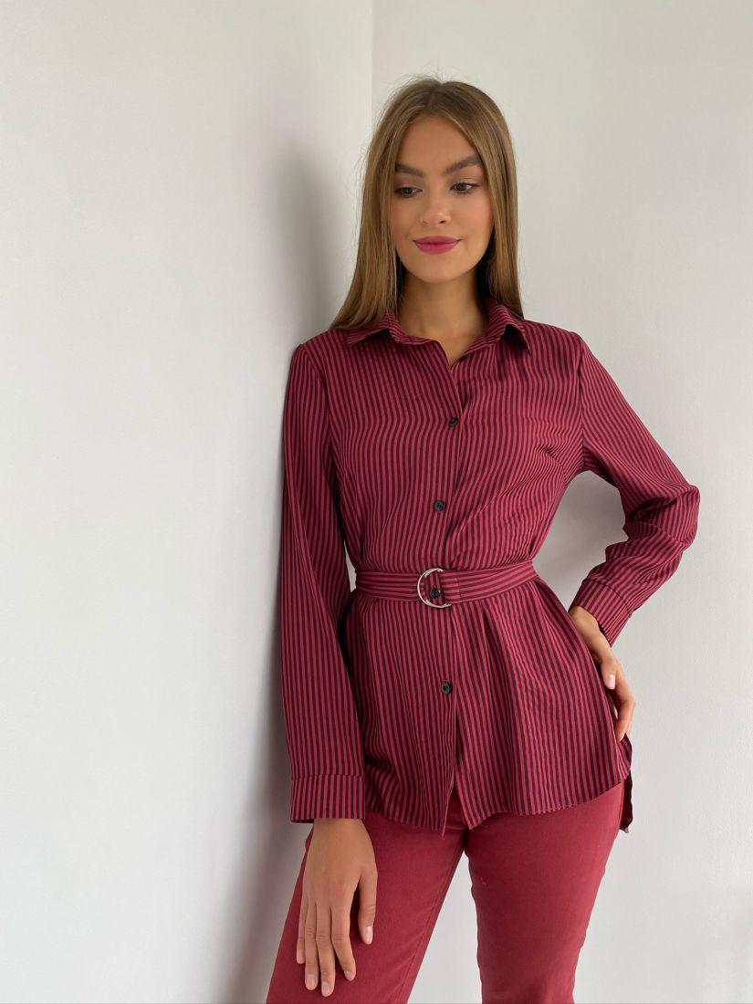 s2355 Удлинённая рубашка в красно-чёрную полоску