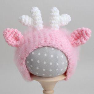 Вязаная шапочка Оленёнок розовый