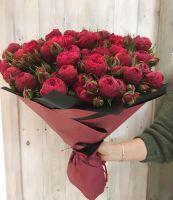 19 пионовидных кустовых роз Ред Пиано