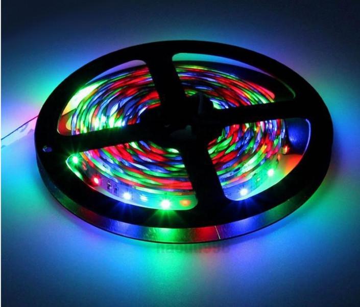 Светодиодная лента с пультом, 5 метров (Цвет: Разноцветный)