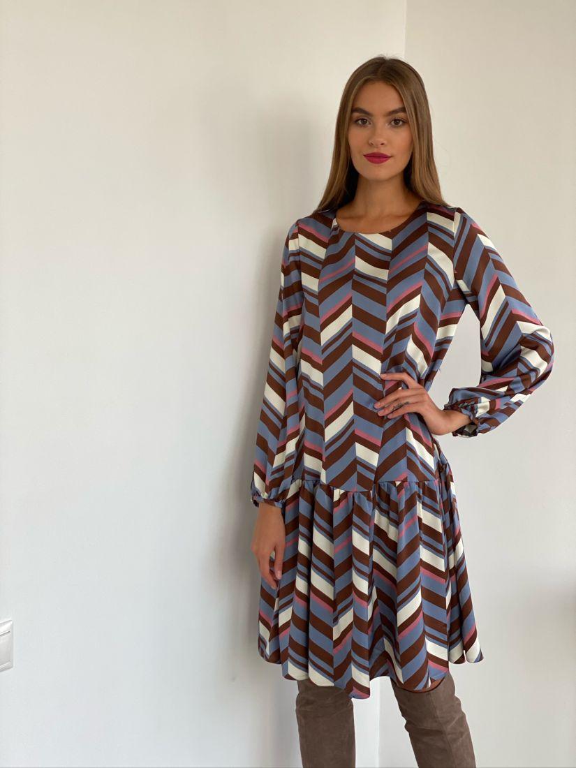 s2747 Платье с графичным принтом на подкладе