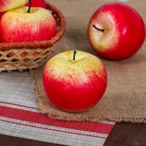 Искусственное красное яблоко