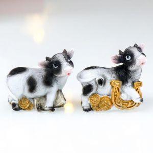 "Сувенир полистоун ""Корова пятнистая с деньжатами"" МИКС 5,5х3,5х5,5 см   4818954"