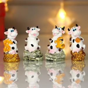 "Сувенир полистоун ""Пятнистая коровка с деньгами"" МИКС 5,5х2,7х2,2 см   5046109"