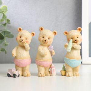 "Сувенир полистоун ""Медвежонок в трусиках, с игрушкой"" МИКС 9х3,5х3 см   5185349"