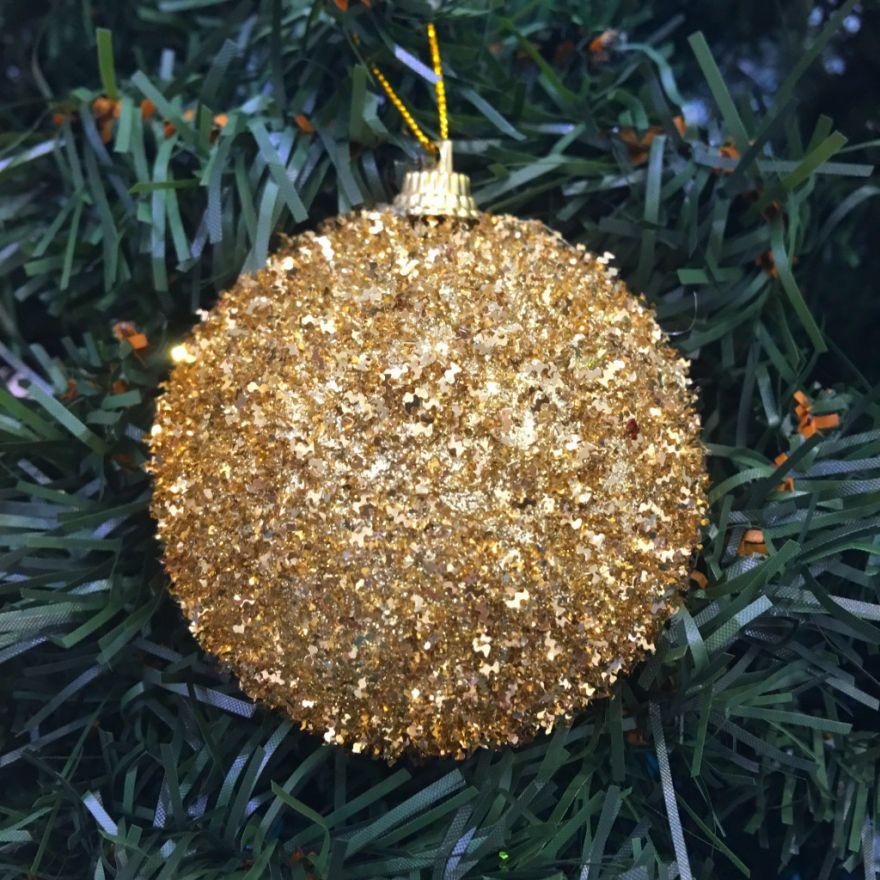 Набор новогодних шаров в мишуре, 6 шт (Диаметр шаров - 5 см)