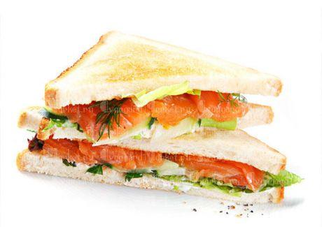 Сендвич с красной рыбой