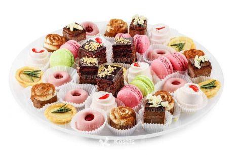Мини-пирожные в ассортименте
