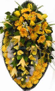Фото - Ритуальный венок из искусственных цветов - Элит #45 желтый из тюльпанов, гвоздик и зелени