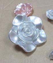 Бусины розы больше 2 шт
