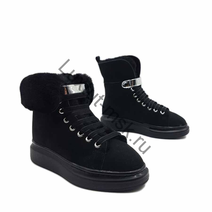 0ee7daa8 ... Ботинки женские Alexander McQueen черные замшевые с мехом зимние купить  со скидкой ...